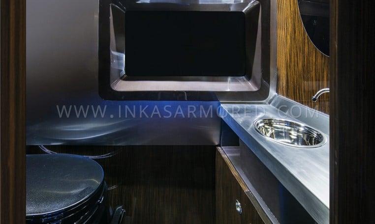 ArmoredMercedes BenzSprinterLavatory