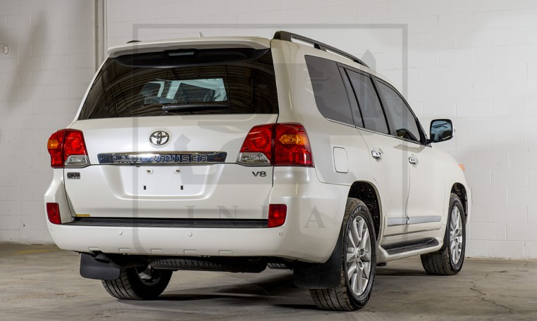 Armored Toyota Land Cruiser GXR Rear